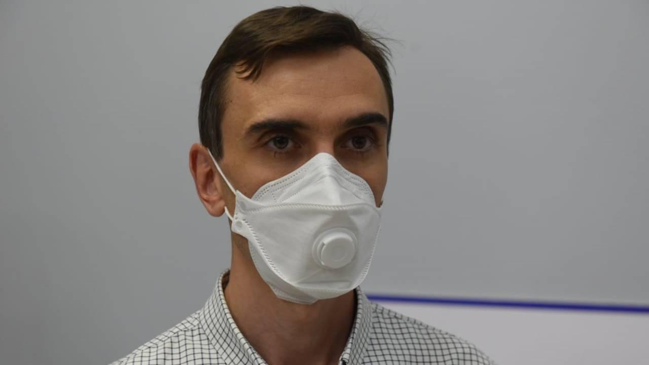 mnogorazovaya ugolnaya maska ot koronavirusa grippa orvi